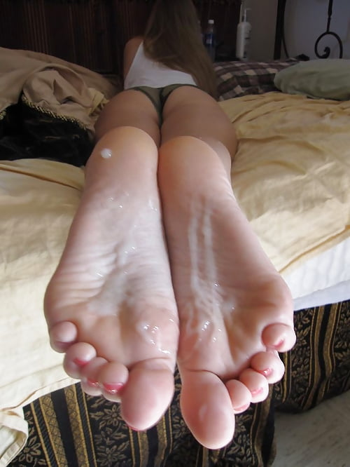 semen en los pies