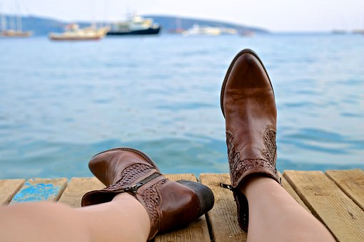 hermosos pies con botas