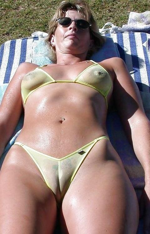 concha marcada en bikini